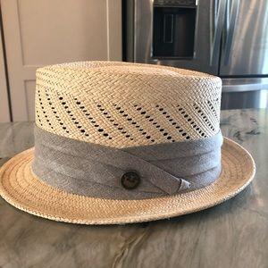 Like New Goorin Bros straw fedora style hat